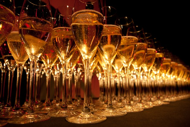 glasses-celebrate-celebration-party-wine-bubbly-channel-awards-champagne-glasses-on-angle-20121